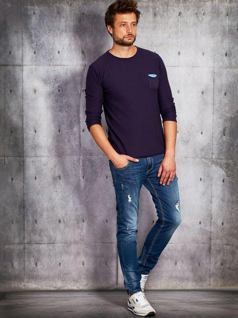 Fioletowy sweter męski z kieszonką                              zdj.                              3