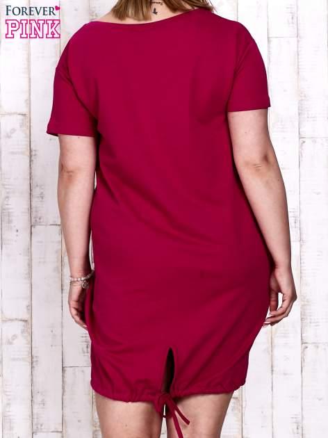 Fuksjowa sukienka dresowa ze ściągaczem na dole                                  zdj.                                  4