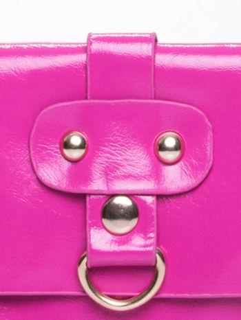 Fuksjowa torebka listonoszka z klapką                                  zdj.                                  7