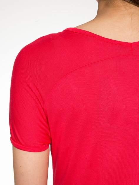 Fuksjowy t-shirt z nadrukiem PARIS                                  zdj.                                  9