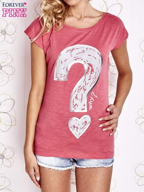 Fuksjowy t-shirt z nadrukiem znaku zapytania                                  zdj.                                  1