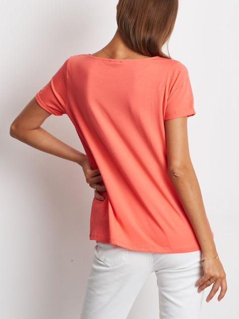 Gładki koralowy t-shirt z podwijanymi rękawami                              zdj.                              2