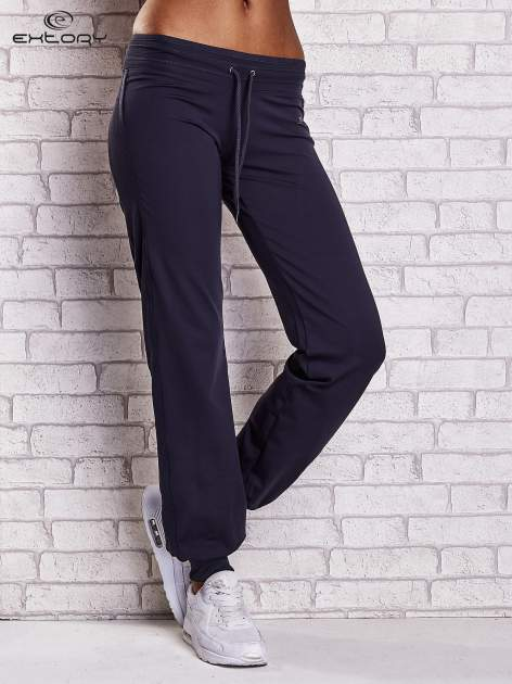 Grafitowe spodnie dresowe ze ściągaczem                                  zdj.                                  1