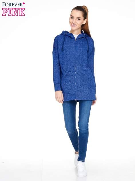 Granatowa bluza dresowa z kapturem z materiału a'la denim                                  zdj.                                  2