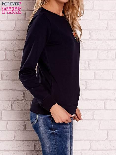 Granatowa bluza z kolorowymi naszywkami                                  zdj.                                  3