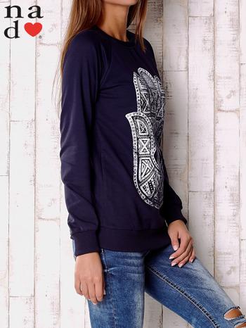 Granatowa bluza z motywem dłoni                                  zdj.                                  3