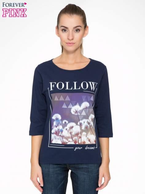 Granatowa bluzka z napisem FOLLOW YOUR DREAMS