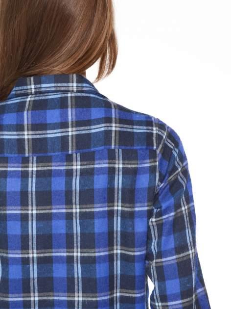 Granatowa damska koszula w kratę z kieszonkami                                  zdj.                                  7