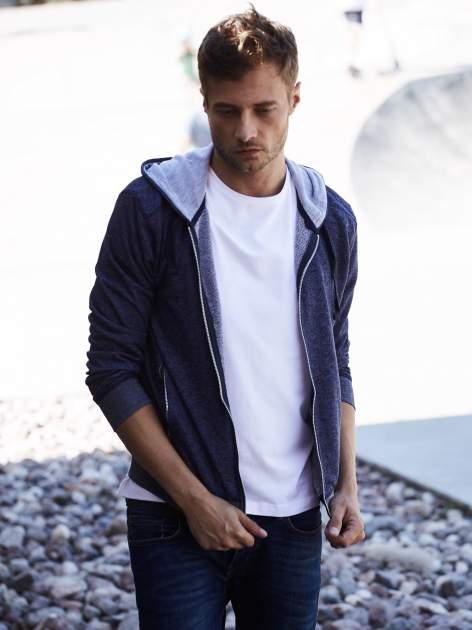 Granatowa melanżowa bluza męska z zasuwanymi kieszeniami                                  zdj.                                  1
