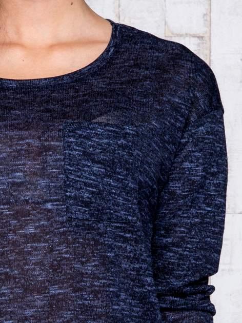 Granatowa melanżowa bluzka z kieszonką z przodu                                  zdj.                                  6