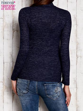 Granatowa melanżowa bluzka z wycięciami                                  zdj.                                  4