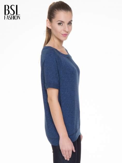 Granatowa melanżowa bluzka z wywijanymi rękawkami                                  zdj.                                  3