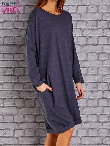 Granatowa melanżowa dresowa sukienka oversize z kieszeniami                                  zdj.                                  3