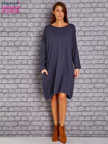 Granatowa melanżowa dresowa sukienka oversize z kieszeniami                                  zdj.                                  2