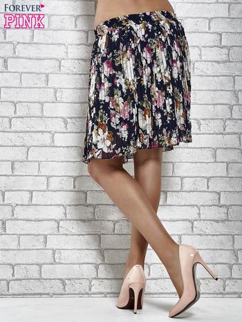 Granatowa plisowana spódnica w kwiaty                                  zdj.                                  5