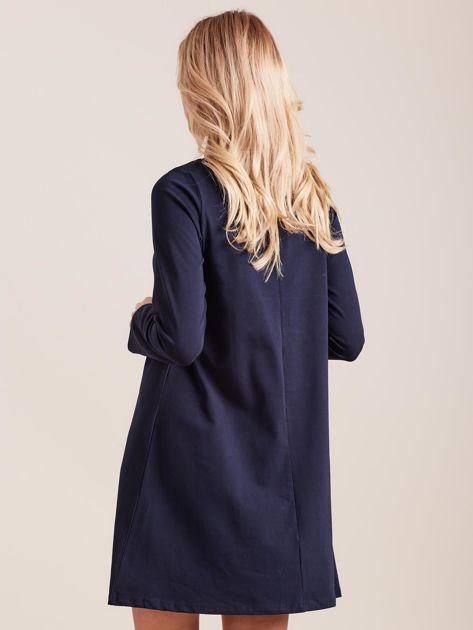 Granatowa sukienka bawełniana z kokardą                              zdj.                              2