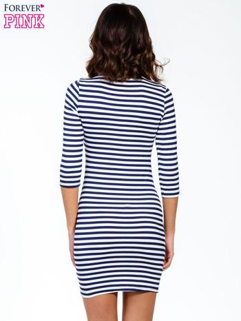 Granatowa sukienka w paski ze sznurowanym dekoltem                                  zdj.                                  4