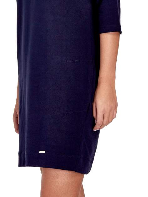 Granatowa sukienka z rękawem za łokieć                                  zdj.                                  7