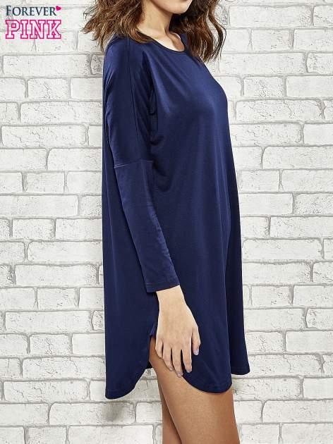 Granatowa sukienka z rozporkami po bokach                                  zdj.                                  4
