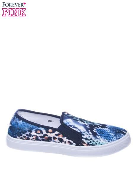 Granatowe buty slip on we wzór animal print