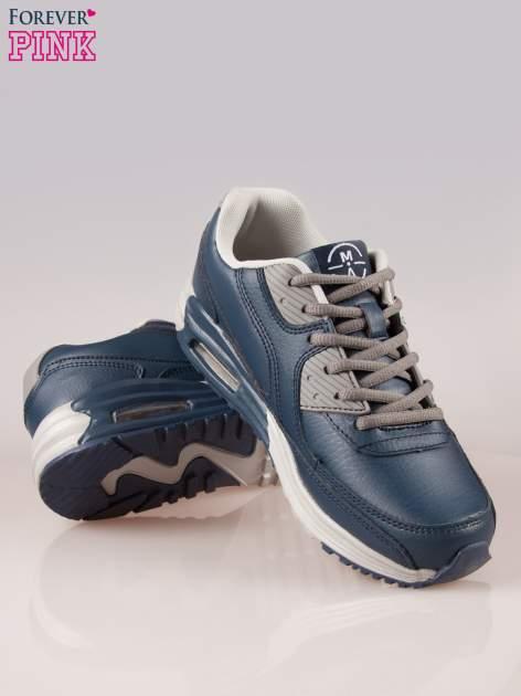 Granatowe buty sportowe z poduszką powietrzną w podeszwie                                  zdj.                                  4