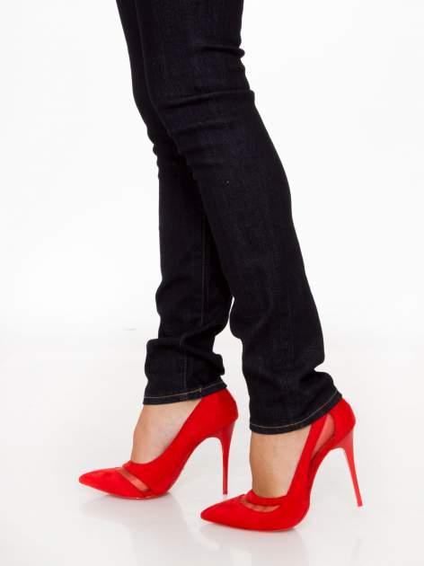 Granatowe klasyczne spodnie jeansowe rurki                                  zdj.                                  9