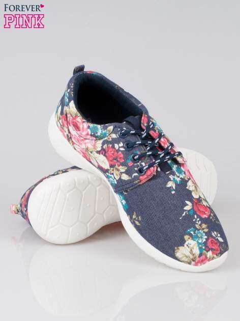 Granatowe kwiatowe buty sportowe Bring It On na podeszwie flex                                  zdj.                                  4