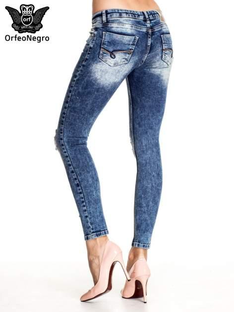 Granatowe lekko marmurowe spodnie ripped jeans                                  zdj.                                  4