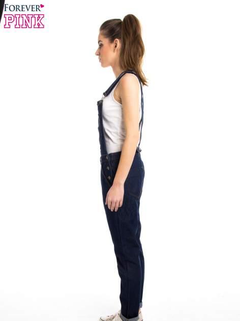 Granatowe ogrodniczki jeansowe z kieszeniami                                  zdj.                                  4