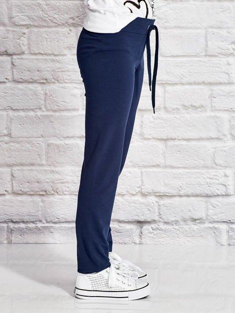 Granatowe spodnie dresowe dla dziewczynki LITTLE CUTE PONY                              zdj.                              3