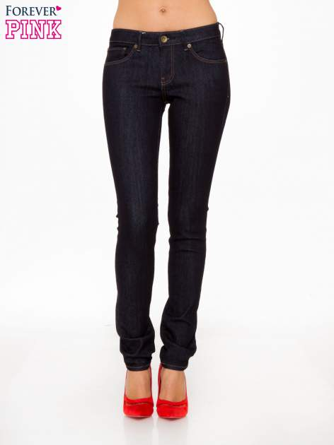 Granatowe spodnie jeansowe rurki                                   zdj.                                  1