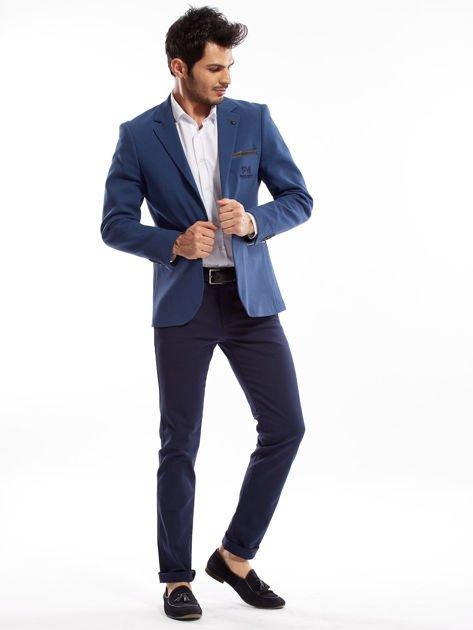 Granatowe spodnie męskie slim fit                              zdj.                              4