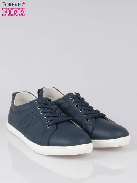 Granatowe sznurowane buty sportowe faux leather Thirsty                                  zdj.                                  2
