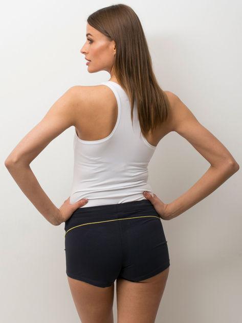 Granatowe szorty sportowe z żółtą wstawką                              zdj.                              2
