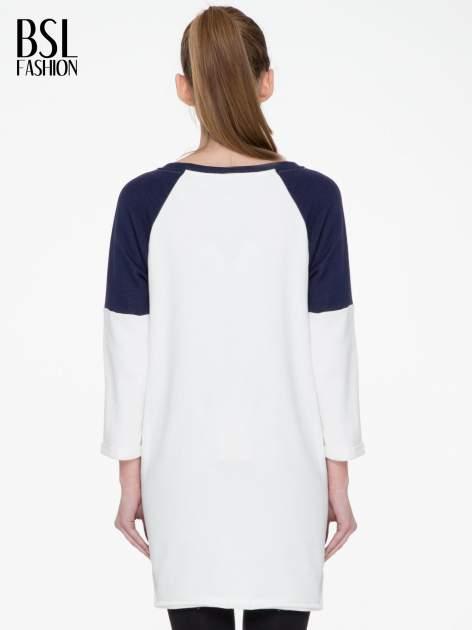 Granatowo-biała długa bluza baseballowa z numerkiem                                  zdj.                                  4