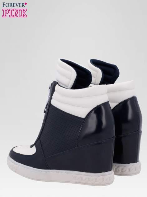 Granatowo-białe sneakersy damskie z suwakiem                                  zdj.                                  5