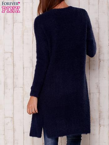 Granatowy długi puszysty sweter                                  zdj.                                  4