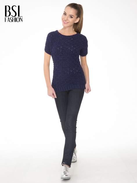 Granatowy dziergany sweterek z krótkim rękawem                                  zdj.                                  2