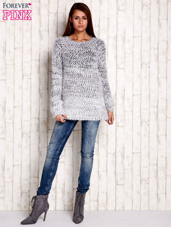 Granatowy melanżowy sweter long hair                              zdj.                              2