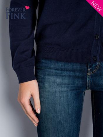 Granatowy rozpinany sweter z bawełny                                  zdj.                                  5