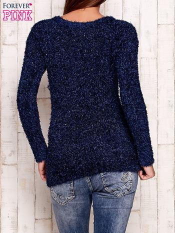 Granatowy sweter fluffy z cekinami                                  zdj.                                  4