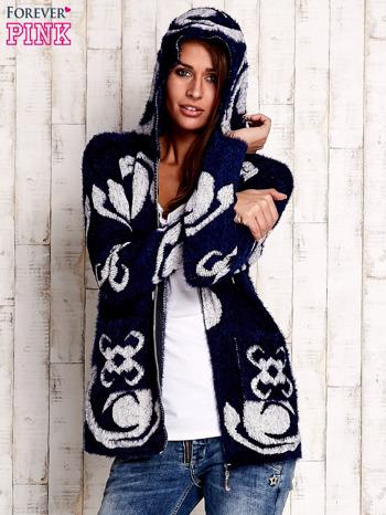 Granatowy sweter long hair z ornamentowym motywem                                  zdj.                                  5
