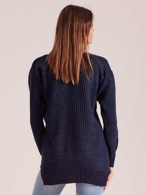 02c18e4e419a Granatowy sweter z perełkami - Sweter klasyczny - sklep eButik.pl
