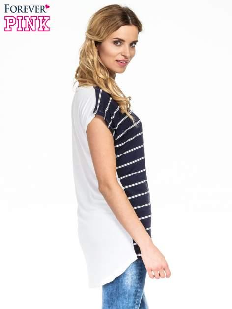 Granatowy t-shirt w białe paski                                  zdj.                                  3