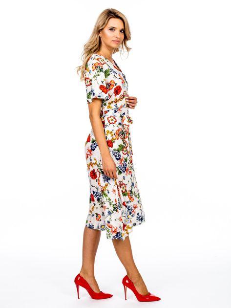 Jasnobeżowa sukienka w kolorowe kwiaty                              zdj.                              3