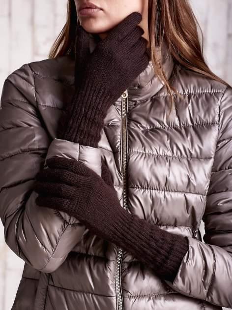 Jasnobrązowe długie rękawiczki z drapowanym rękawem