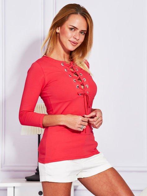 Jasnoczerwona bluzka lace up                              zdj.                              3