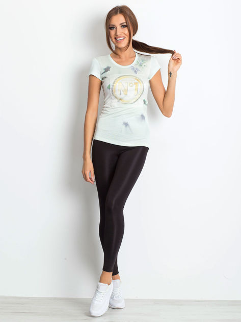 Jasnomiętowy t-shirt z graficznym nadrukiem                              zdj.                              4