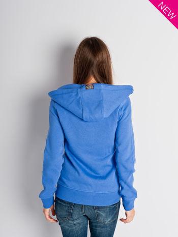Jasnoniebieska dresowa bluza sportowa z kapturem                                  zdj.                                  1