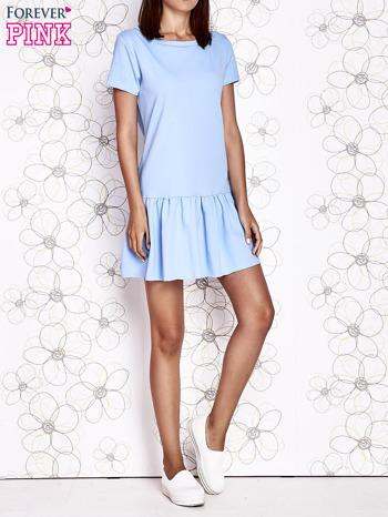 Jasnoniebieska dresowa sukienka z wycięciem na plecach                                   zdj.                                  6
